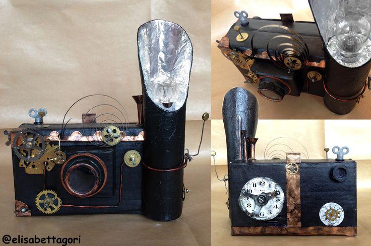 """La mia macchina fotografica """"steampunck""""!Rigorosamente di cartone!"""