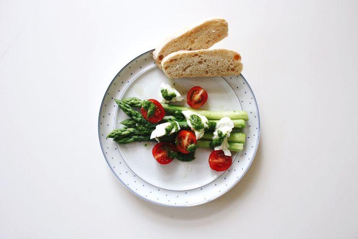 Green asparagus, wild garlic and mozzarella di bufala