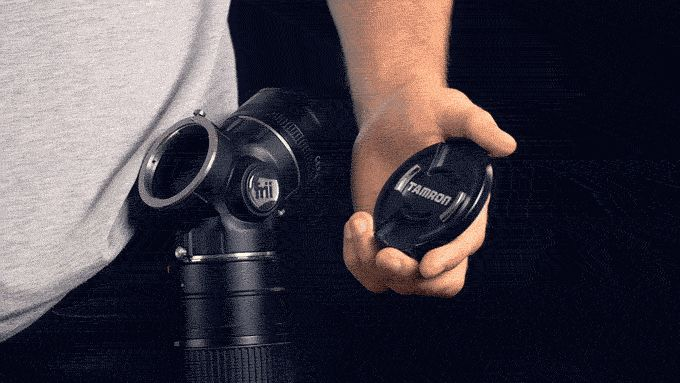 Keep track of your lens caps and protect your lenses from dust with the magnetic cap system