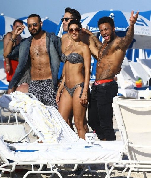 Nicole Murphy Photos: Nicole Murphy and David McIntosh at the Beach — Part 2