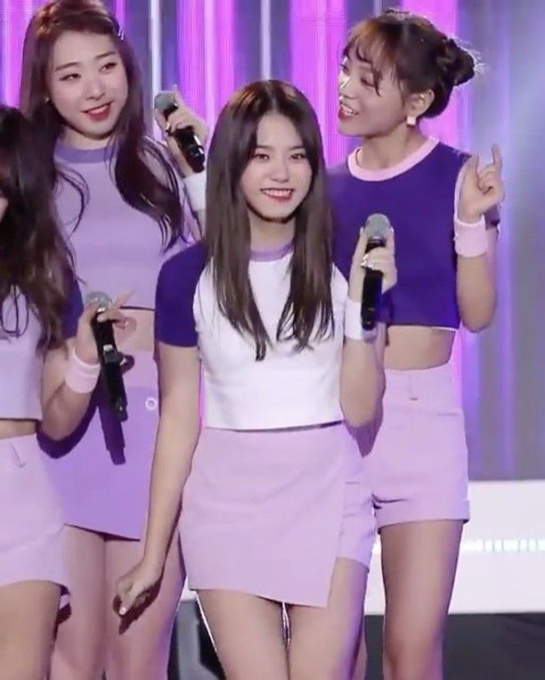 Q; What colour would you like ur bridesmaids to wear? A; Light blue or lilac (@hwwasa ) - Sohye | ioi | Song : Very very very #sohye #ioi #fancam #snsd #girlsgeneration #sistar #fx #redvelvet #exo #bts #exid #gfriend #twice #blackpink #nct #girlsday #taeyeon #hyuna #kpop #jessicajung #빵 #아메리카노 #베이커리 #아침 #달달 #브런치 #디저트 #배고치 #디저트 #배고파