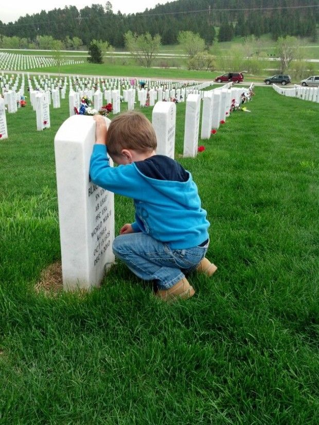 Zayne Bartol, 4, couldn't understand why other graves didn't have as many flowers as his great-grandfather's. That's why he decided to put 150 single roses on empty headstones on Memorial Day at the Fort Meade National Cemetery near Sturgis. Awwwwww