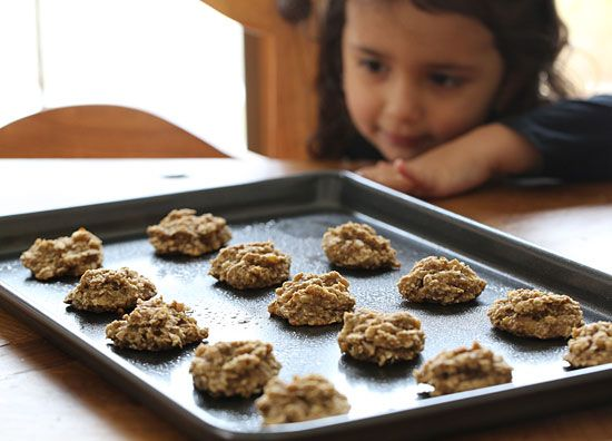 Heathy cookies you could eat for breakfast! 2 ripe bananas, oats and chocolate chips or nuts!