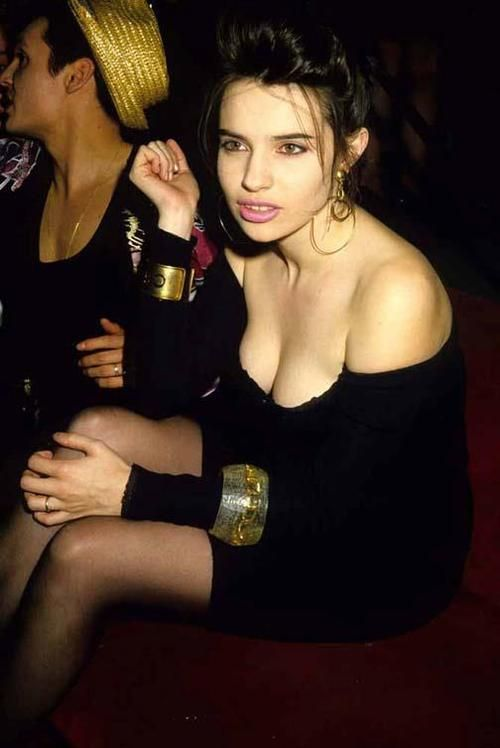 100 best images about beatrice dalle on pinterest posts for Beatrice dalle inside