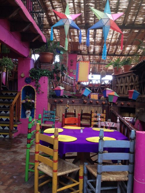 Los colorines, #Tepoztlan, Mexico. Coolers that brighten the day ahhhh Mexico @ Muebles NOMAD Chapala Jalisco Mexico
