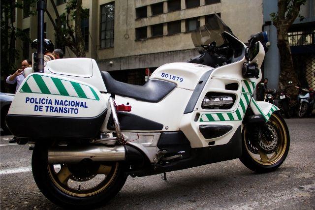 Motos Honda de la Guardia Civil española para la Policía de Uruguay-noticia defensa.com