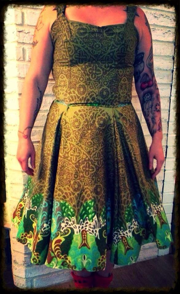 Kierrätys! Tampellan pöytäliinasta mekko.