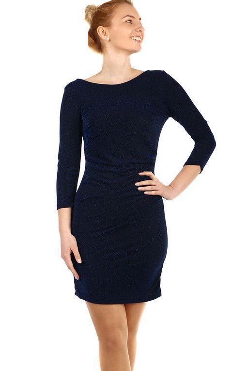 b3ee94f3741 Krátké třpytivé šaty s 3 4 rukávem