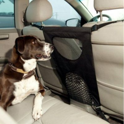 Malla de coche para perros por 15,99 €  La Malla de coche para viajar con mascotas puede ayuda a mantener sus mascotas en el asiento trasero y Puedes conduces con atención. Fácil de instalar, Hace menos de un minuto para instalar y colgar entre los asientos delanteros.    #chollo #coche #descuento #malla #oferta #perro #red