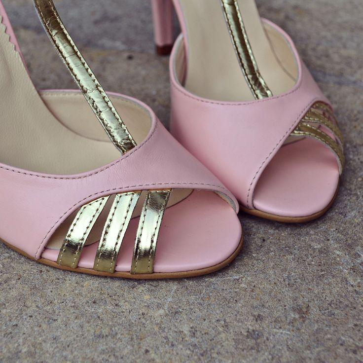 #rosettishowroom #the5thelementstore #springsummer #sandals #highheels #rosequartz #pinupchic