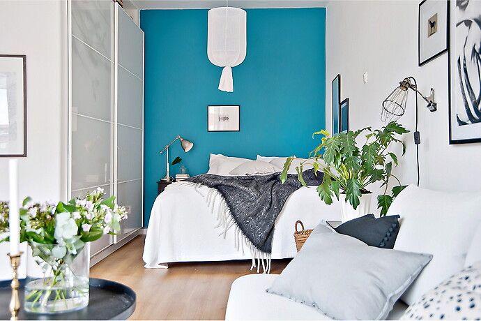 Bilder, Sovrum, Blå, Compact living, Modernt, Soffa, Säng, Vit, tavelvägg - Hemnet Inspiration