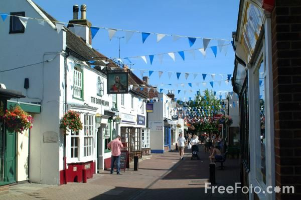 I lived in Hythe, Hampshire, UK