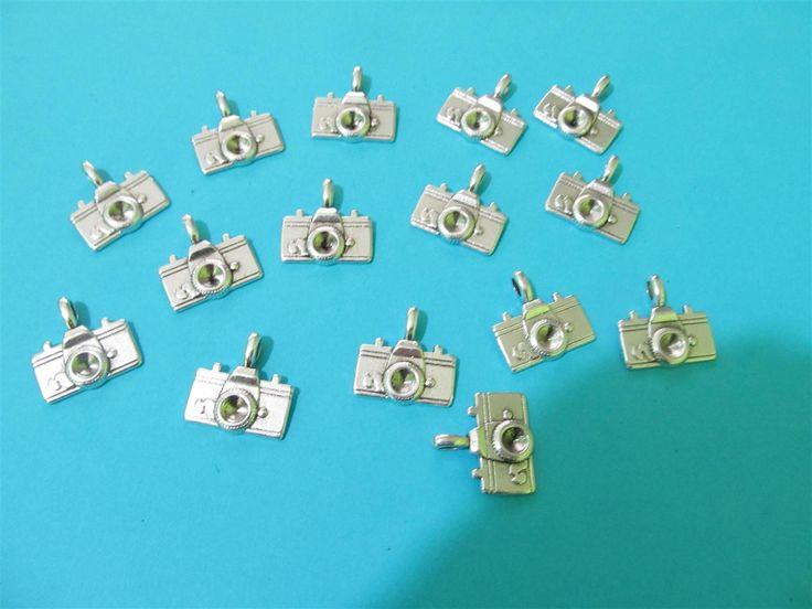 Silver tone metallic cameras 22mm (10 pcs)
