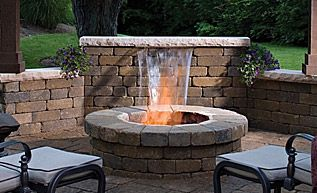 Would be lovely to have a fireplace in the backyard like this.