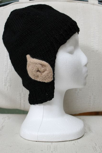 Spock hat! (free knitting pattern for Star Trek fans) Kinda want to try it next with a blonde wig and make it elf ears.