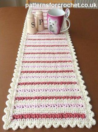 Free crochet pattern for dining table runner http://www.patternsforcrochet.co.uk/dining-table-runner-usa.html #patternsforcrochet #freecrochetpatterns