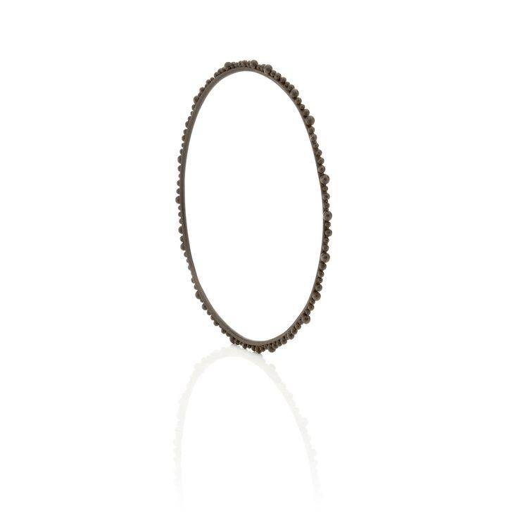 Gold bracelet, black color #huffyjewels www.huffyjewels.com