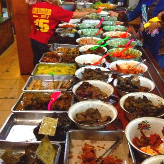 Indonesian food #nasibancakan #sundanesefood #bandung #indonesia
