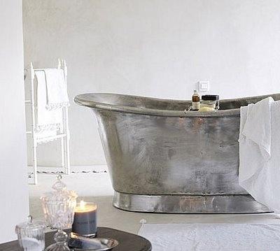 Love this all silver coloured bateau bath. Brabourne Farm: Love .... Bateau Bath Tubs