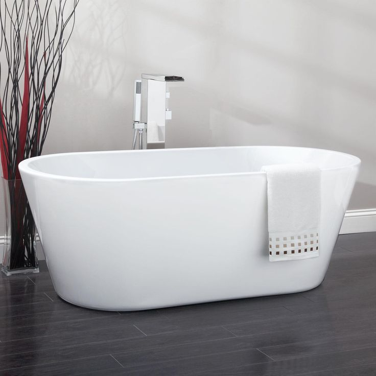 1000 images about big bath on pinterest pedestal tub for Best acrylic tub