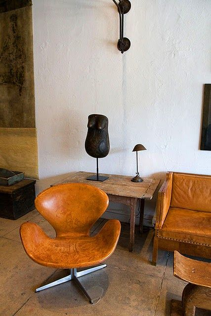 Arne Jacobsen: Modern Chairs, Antiques Furniture, Interiors Design, Design Kitchens, Modern Kitchens, Swan Chairs, Leather Chairs, Arne Jacobsen, Summer Houses