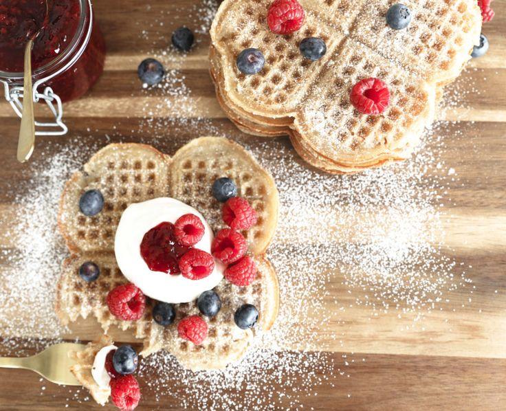 Här Är Det - Receptet på de godaste våfflor ni någonsin har ätit 😍❤️❤️ . . . #äggfria #åviken #bakpulver #recept #bikarbonat #enket #våfflor #frasiga #sockerdricka #tillbehör #godaste #våfflorna #waffles #utanägg #våffeldagen #vispadgrädde