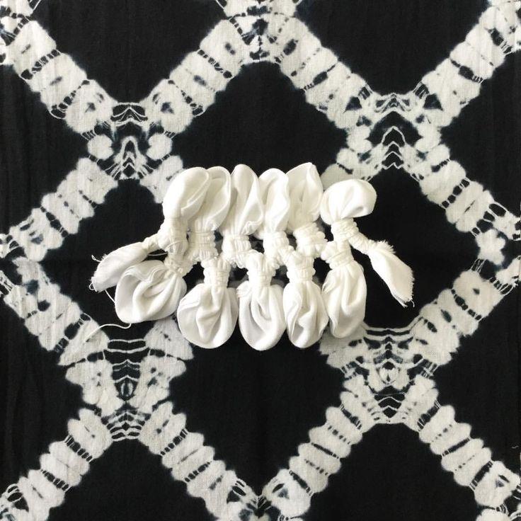 before an after😌 #有松絞り #絞り染め #染物  #arimatsushibori #shibori #tiedye #textileart  #textiledesign #patternplay #japanesedesign #fashion #fashiondesign #blackandwhite