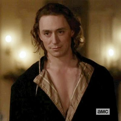 #JJFeild as Major John André in Turn, Season 2 Episode 6: Houses Divided.  I will never get over JJ Feild in a colonial bathrobe!