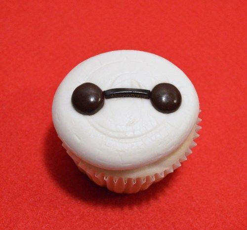 """Big Hero 6"" inspired Baymax Cupcake"