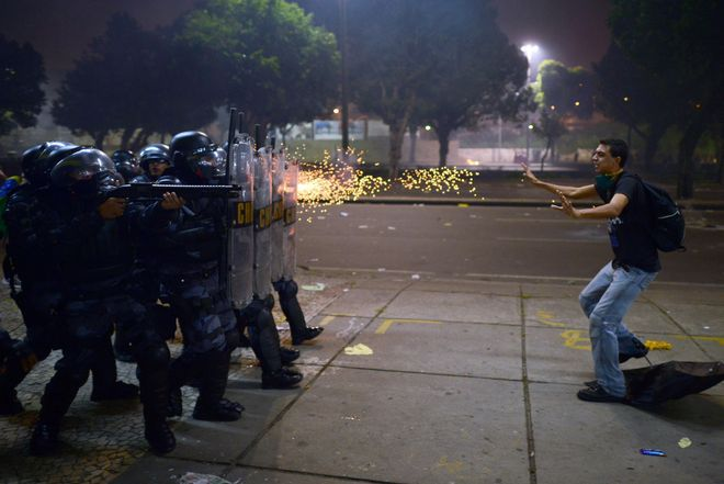 Διαδηλωτής στη Βραζηλία