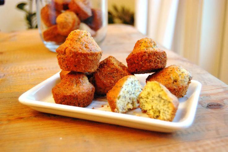 Sarah aan de Kook: Sinaasappelmuffins met maanzaad