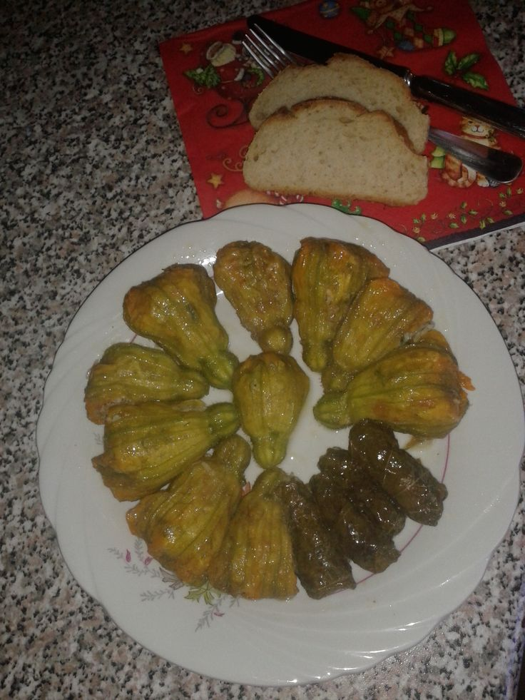 stuffed zucchini flowers ready to eat...