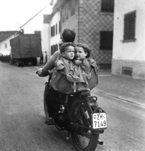Martin Glaus - Ausfahrt, 1950 #Photography: Travel Bags, Bike Riding, Black White Photography, Motorcycle, Duffle Bags, Martin Glaus, Safety First, Kid, Cafe Racers