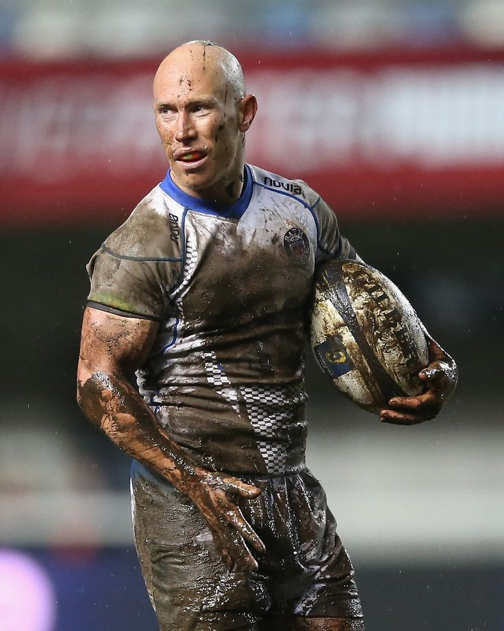 Peter Stringer shows the scars of a muddy night in Montpellier