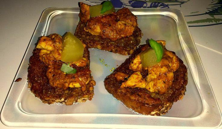 Toasts Spelt with breast chicken  http://ugotujecidobrze.blogspot.com/2014/03/gdy-nie-mamy-za-bardzo-czasu-na-wielkie_29.html