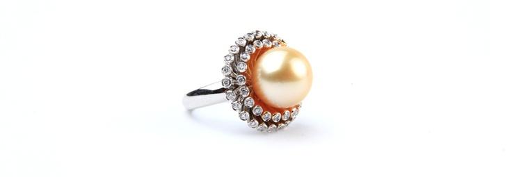 #Pearl #Diamond #White Golg #RIng  Rings | Joyeria Cesareo