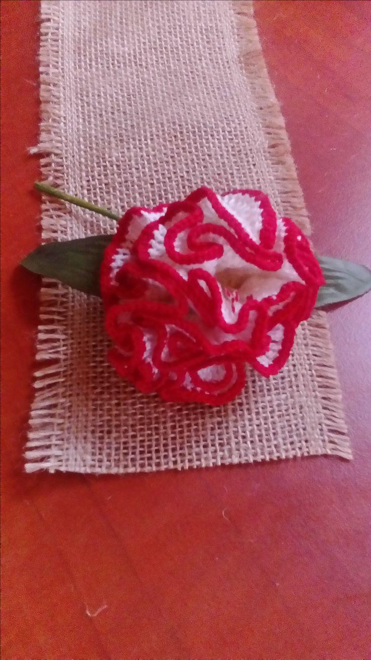 kwiat wykonany szydełkiem autorstwa Anna Borowczyk