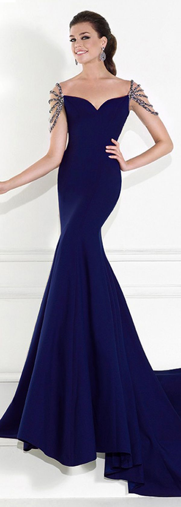 Amazing Mermaid Stretch Satin Sweetheart Neckline Floor-length Evening Dresses with Beadings and Rhinestones