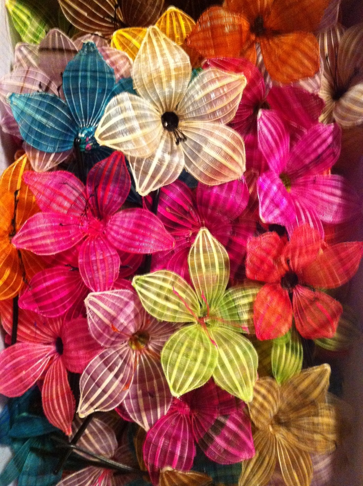 flores de crin. - these are made out of horse-hair.  Chile.