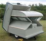 Farlander caravan unfolds