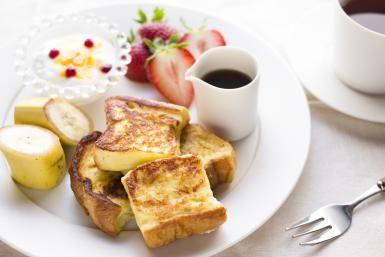 How the Dutch Do French Toast: A Cinnamony Take on Pain Perdu.: Wentelteefjes with fruit