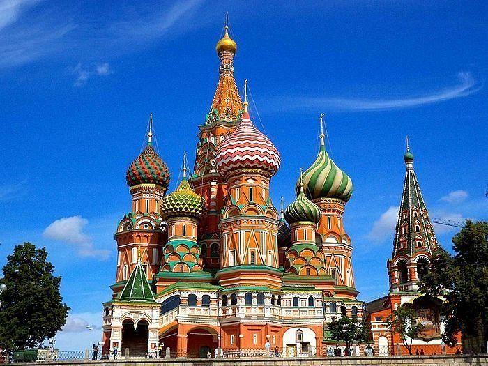Ряд мероприятий в честь 455-летия знаменитого Покровского собора, известного также как храм Василия Блаженного, прошел 12 июля в Москве, сообщает РИА-Новости, со ссылкой на официальный сайт Государственного исторического музея (ГИМ).