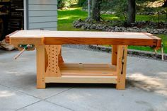 The Ambidextrous Grizz-ubo Workbench | The Bench Blog