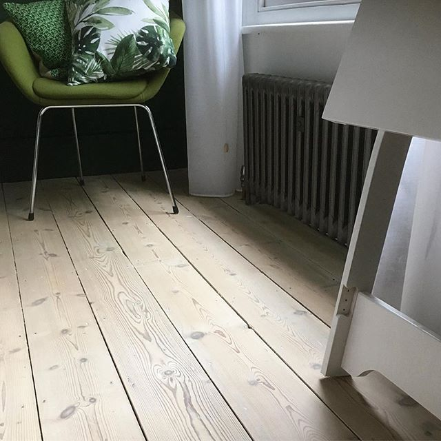 Woca Softwood Lye To Whiten And Lighten Pine Finish With Diamond Oil Extra White For A Classic Scandinavian Look Repost Gulv Hus Stue