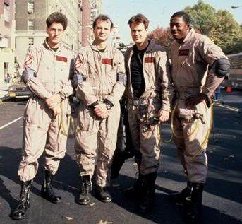 Harold Ramis, Bill Murray, Dan Aykroyd on the set of Ghostbusters (1984)