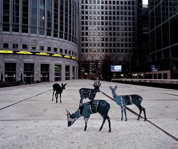 Mirrored Sculptures Echo Their Surroundings - My Modern Metropolis