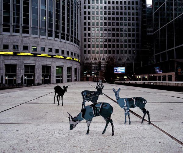 Mirrored Sculptures Echo Their Surroundings - My Modern Metropolis