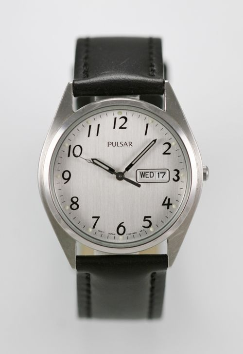 Pulsar Mens Watch Leather Black Stainless Steel Silver Water Res Day Date Quartz