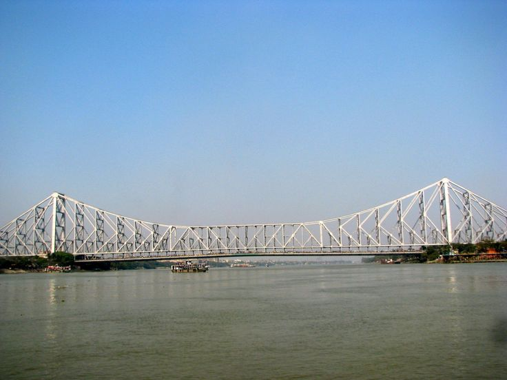 #HowrahBridge is one of the most celebrated #landmarks of #Kolkata. Situated on #RiverHooghly, it serves as the lifeline of the #city. The #Howrah #Bridge is enumerated amongst the busiest cantilever bridge in the #World. #travel #kolkatadiaries #heritage #destinations #ttot