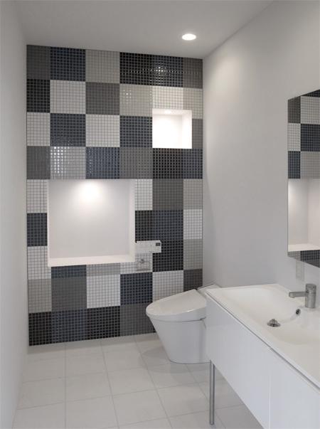 TilesModern Bathroom Design, Decor Bathroom, Bathroomsbathroom Design, White Bathrooms, Bathroomsbathroom Interiors, Bathroom Interiors Design, Bathroom Decor, Design Bathroom, Accent Wall